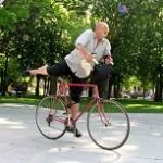 La evidencia científica apoya la integración un plan de ejercicios en el tratamiento del Parkinson